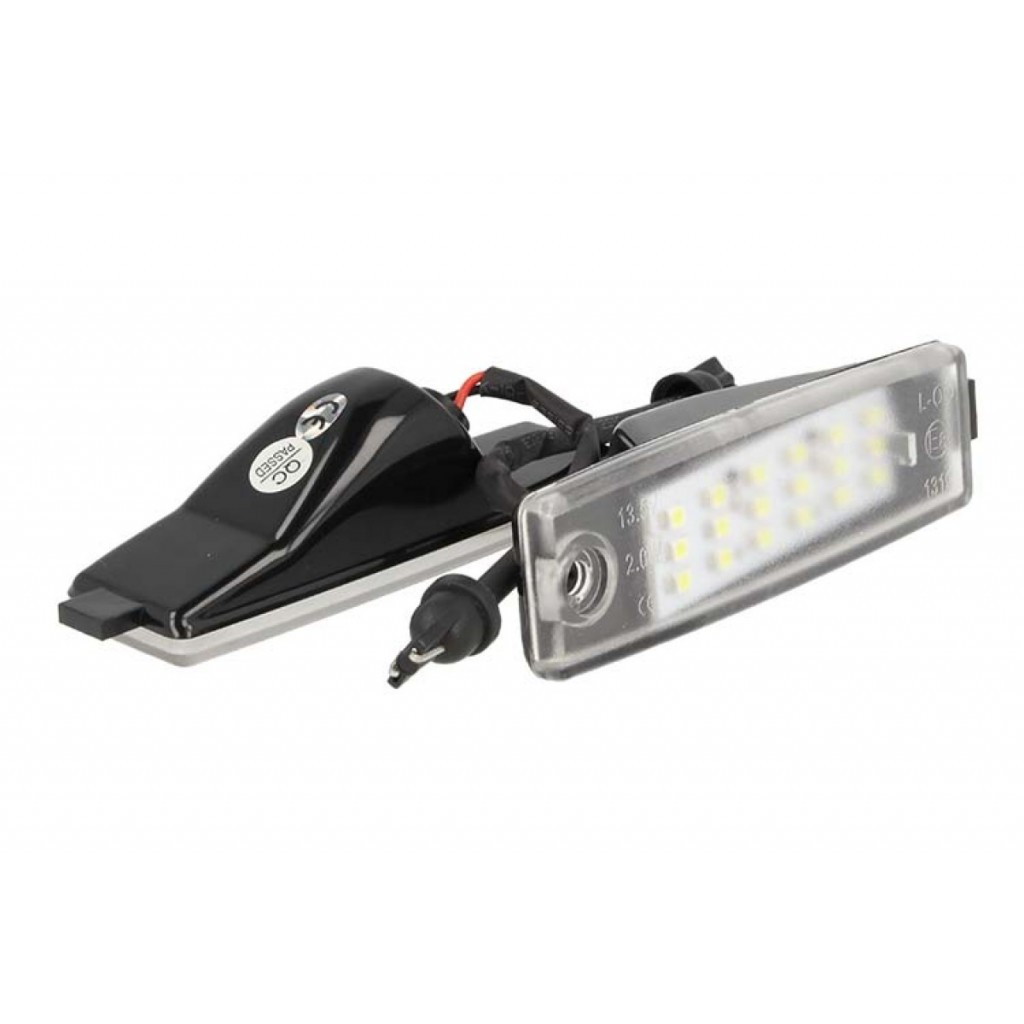 KIT LUCI TARGA LED TOYOTA HIACE 200 VANGUARD ACA33W BIANCO NO ERRORE CANBUS